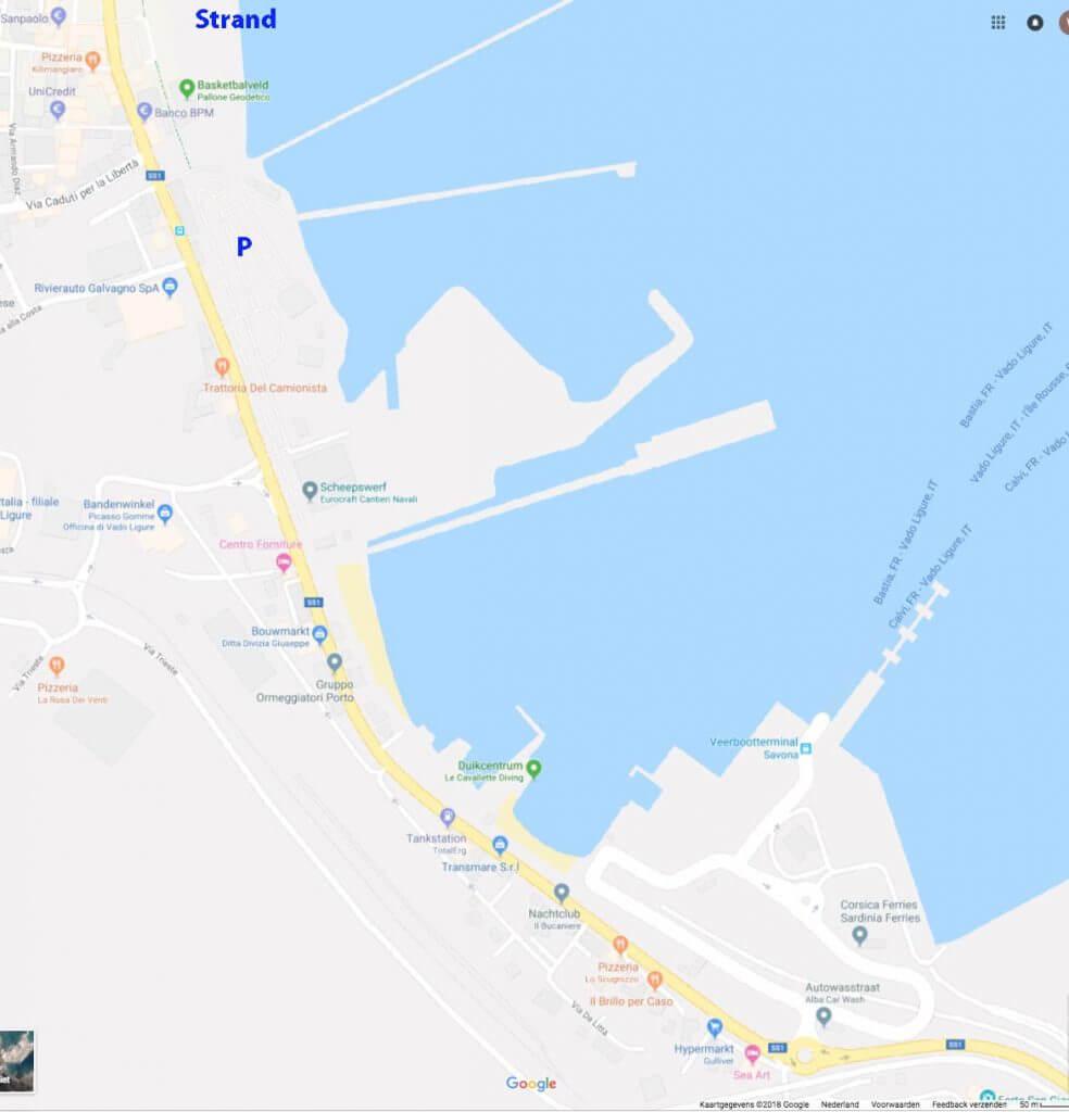 Haven en strand Savona en veerdienst Corsica